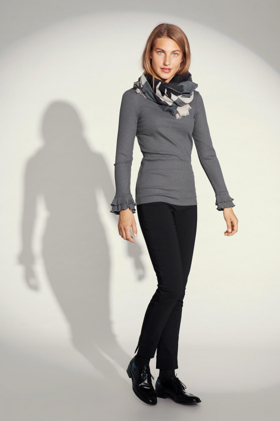 GLOBE RIB BLOUSE WITH FLOUNCE